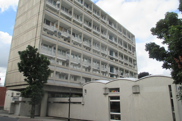 Allbrook House and Library, Alton Estate