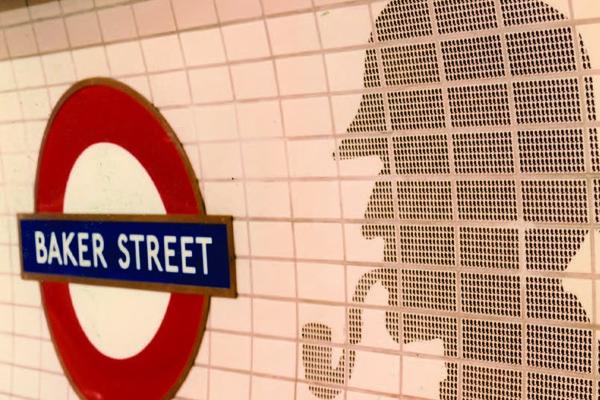 Bakerloo platform tiles
