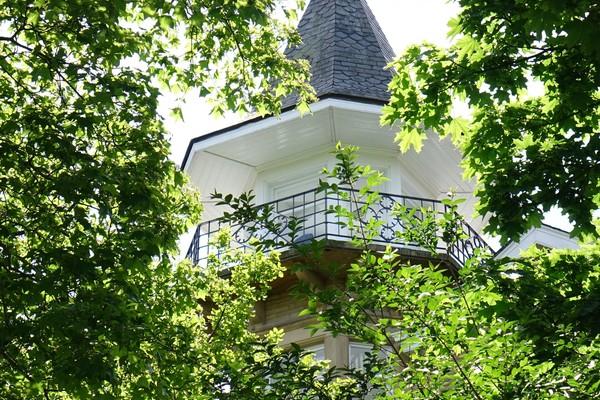 10. Wyke House tower and balcony
