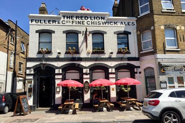 8. Red Lion Pub