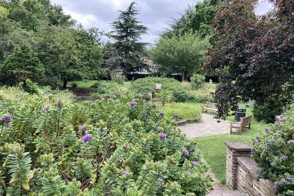 17. Gwendwr Gardens Park