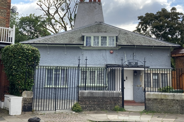 4. 17 St Dunstan's Road Hungarian Reformed Church
