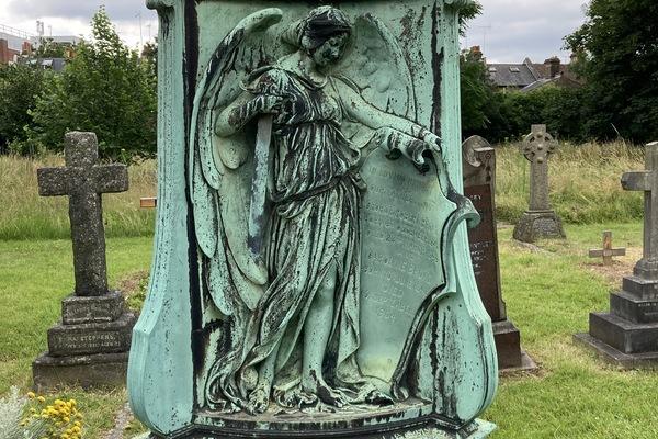 5. Memorial to George Broad