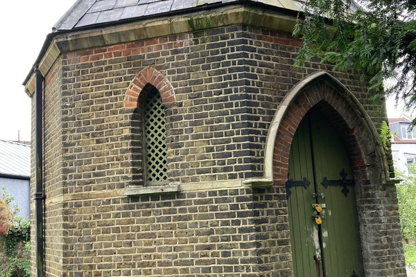 6. Octagonal Reception House for bodies awaiting burial