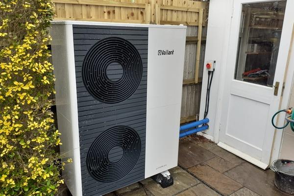 Vaillant 12kw Arotherm plus air source heat pump