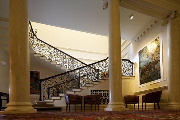 Gibbs Staircase, Central Lounge