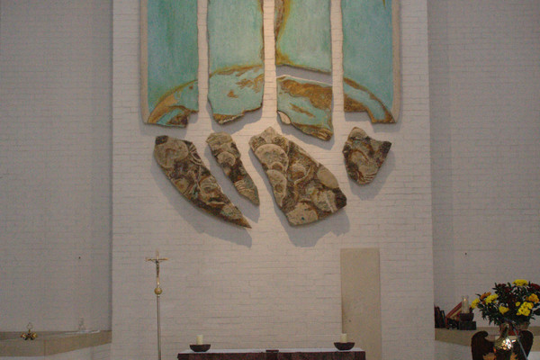 Altar and reredos by Stephen Cox