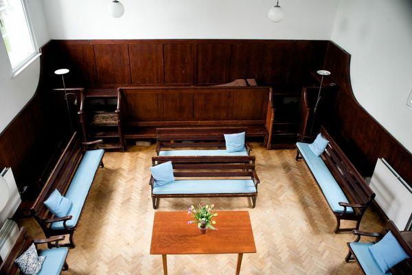 Meeting House inside with table 2