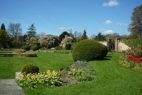 George V Memorial Garden, Canons Park
