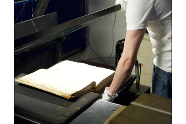 Scanning archives in the LMA Digital Studio