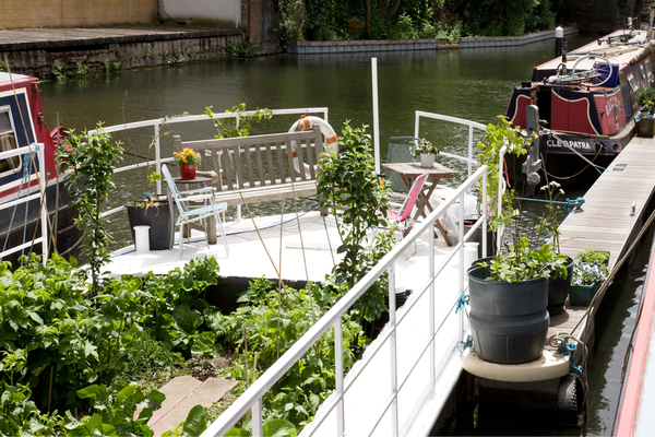 Allotment barge