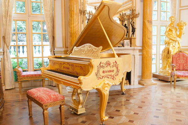 Golden Piano Steinway