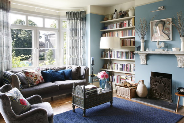 Upstairs sitting room/library/home office