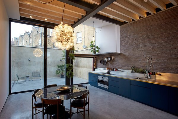 Makers House - Kitchen / Dining / Courtyard