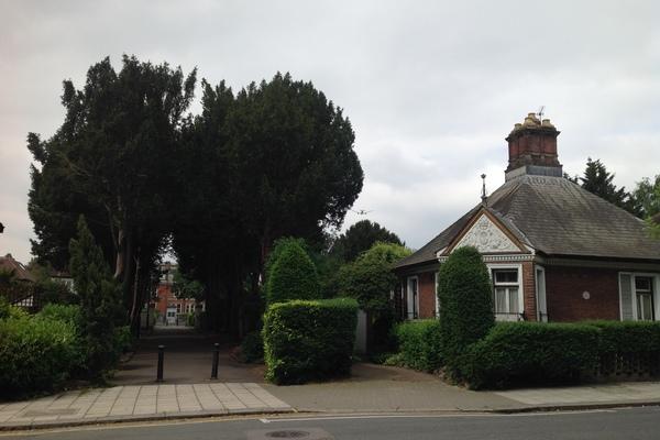 Gate Lodge to Spring Grove Estate