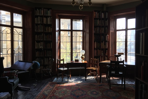 The first floor library, originally probably the surgeons' meeting room.