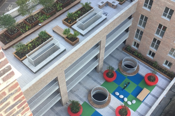 Two lowest roof gardens at levels 1 and 4