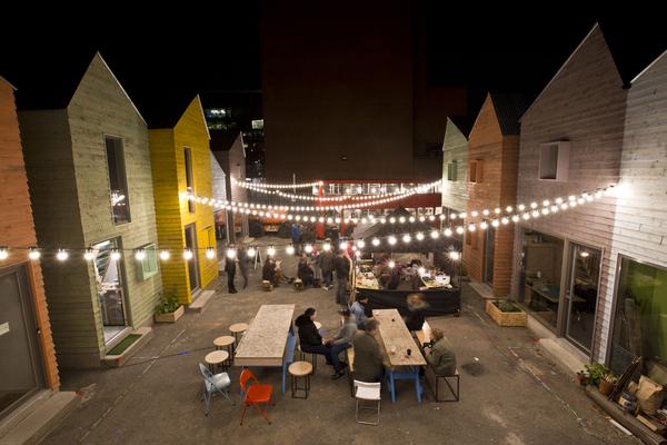 Blue House Yard night market