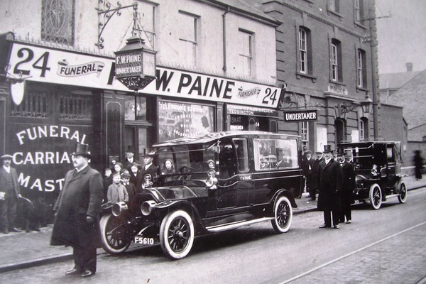 Frederick Paine outside 24 London Road in 1913
