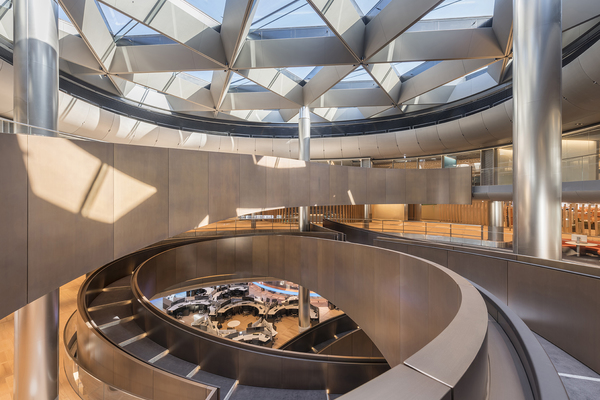 Above the ramp at the centre of the building is an expansive skylight, providing natural light deep into the heart of the building.