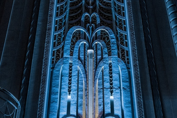 Art Deco Features masking organ chambers