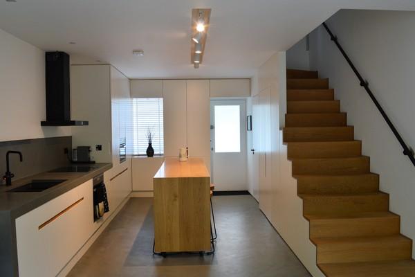 Kitchen, island & stairs