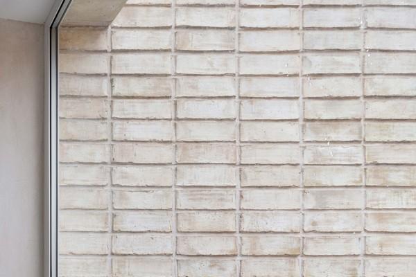 Rear Elevation - Stack Bond Detail