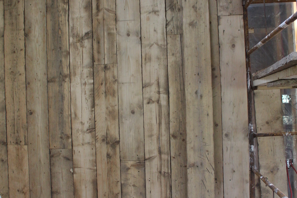recycled scaffold boards for internal wall