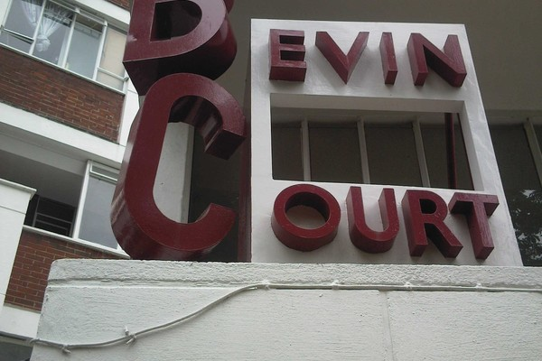 Lubetkin and Tecton Bevin Court